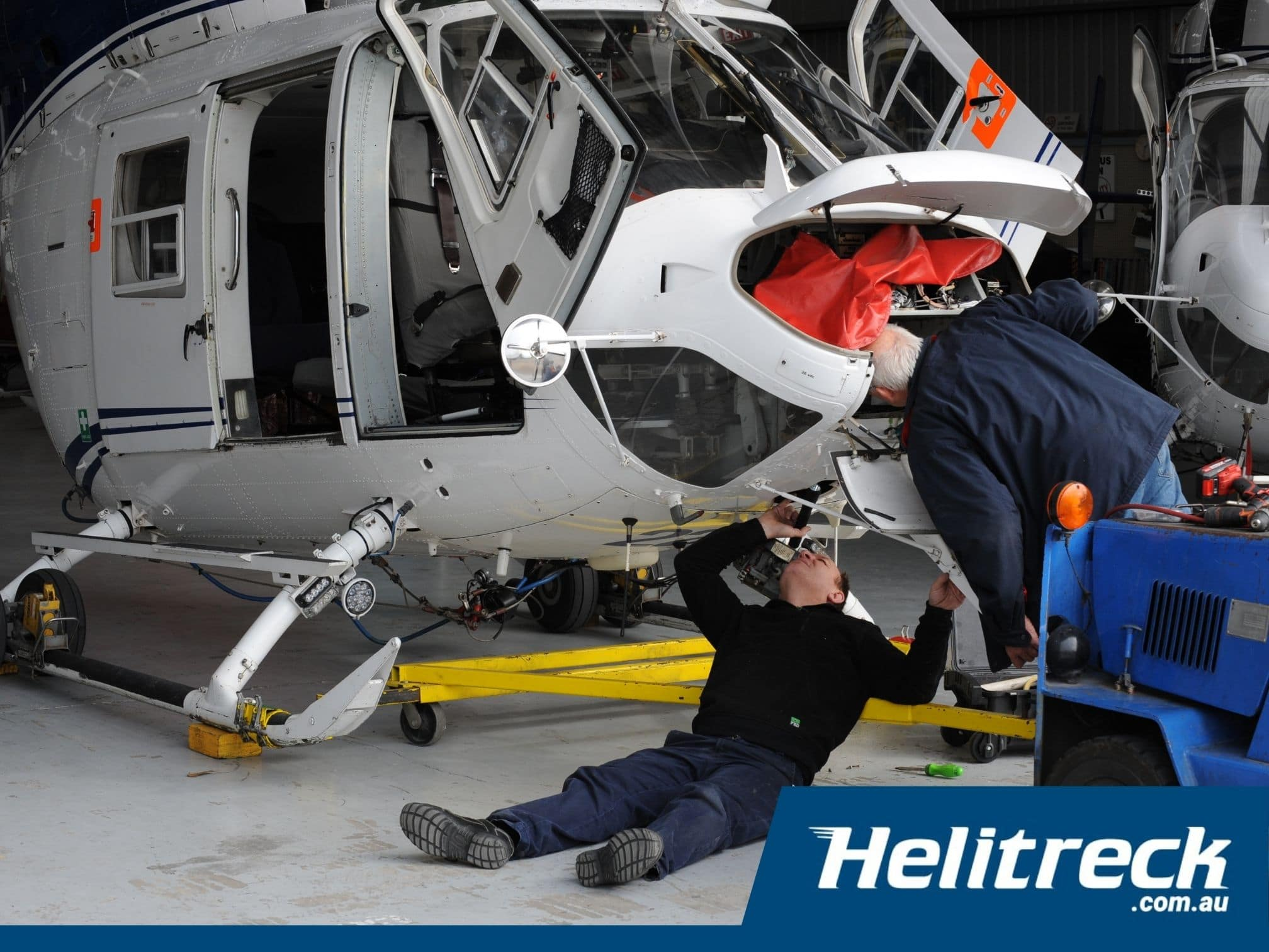 Helicopter-Maintenance-Helicopter-Engineering3